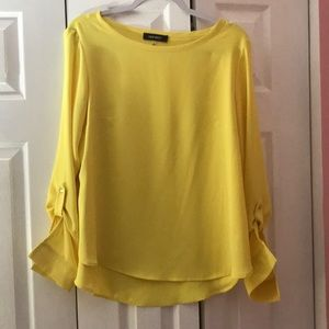 Nine West yellow top